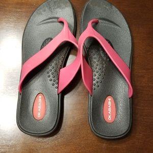 Okabashi comfort flip flops size m/l